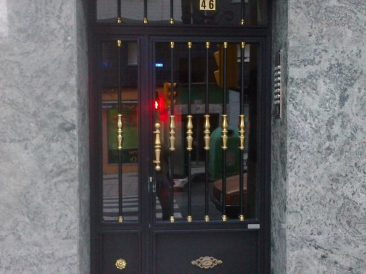 Puerta Portal 11