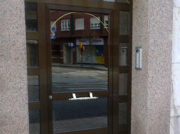 Puerta Portal 18