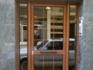 Puerta Portal 25