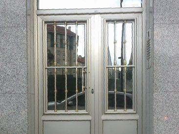 Puerta Portal 28